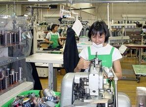 Vietnamese women working in a garment factory in Malaysia