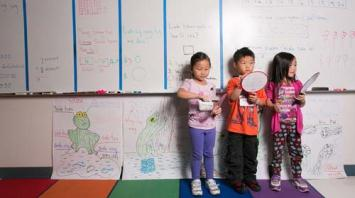 Children in Hmong dual-language immersion program. Photo by Andria Lo.