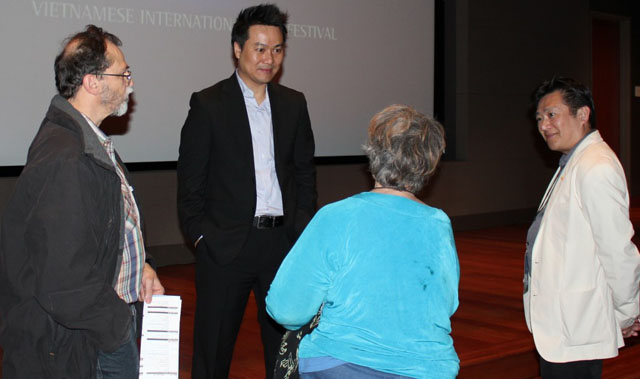 Director Khoa Trọng Nguyễn and the audience after the screening of Instant Noodle.