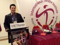 Theater director Le Quy Duong