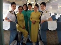 phi công và các tiếp viên