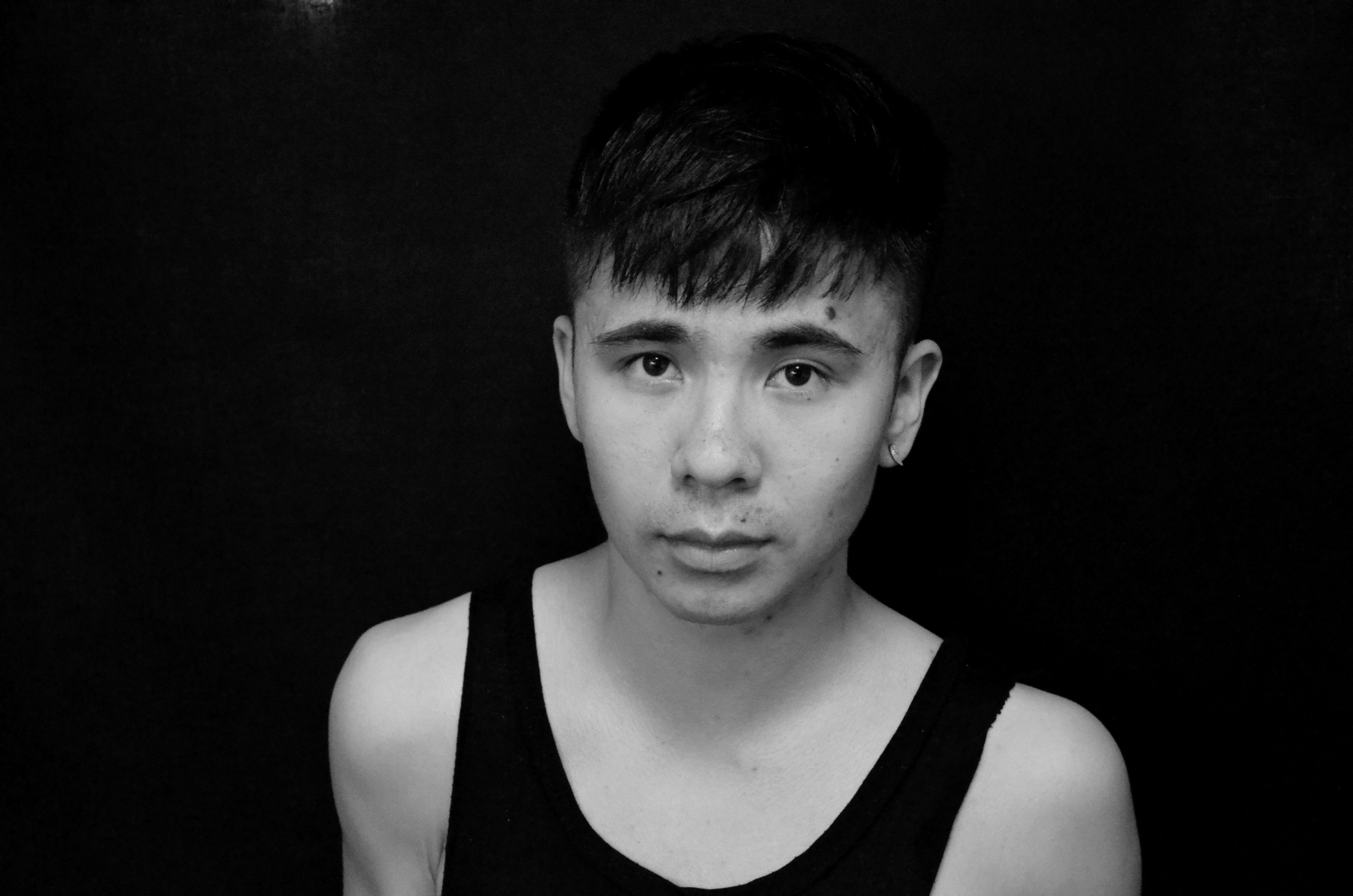 Eric Nguyen Reviews 'Night Sky With Exit Wounds' by Ocean
