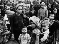 Displaced Vietnamese from 'pacification' program