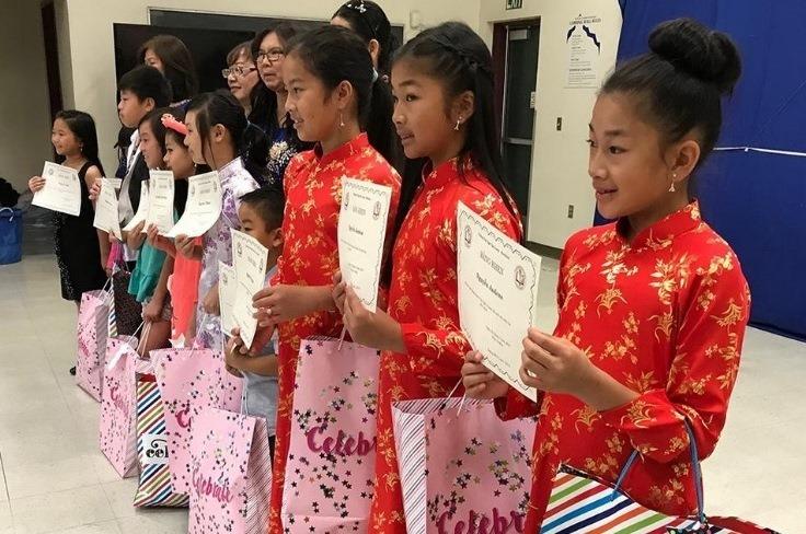 Van Lang Vietnamese Language students