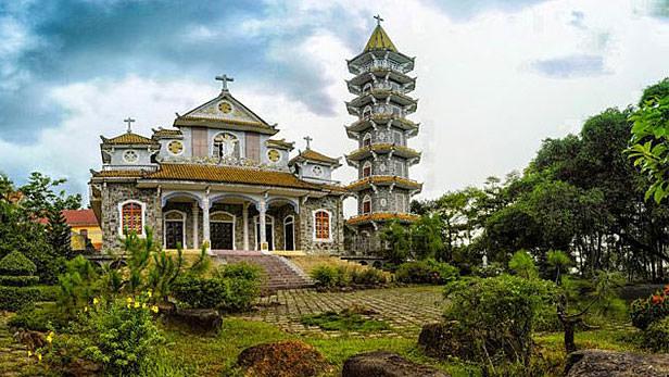Vietnam's Thien An monastery