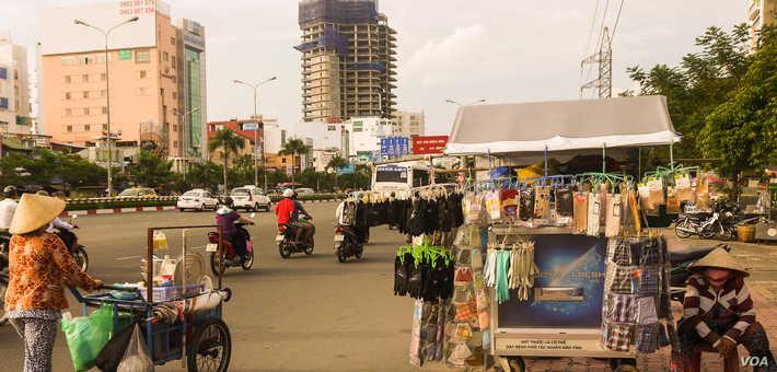 Vietnamese street merchants