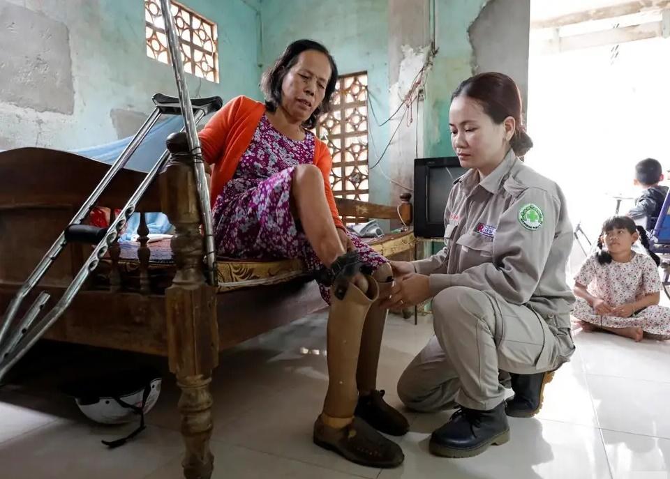 Landmine victim Nguyen Thi Hoa